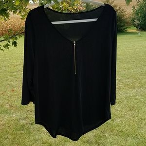 Tops - Tunic V neck 2XL black with gold zipper accent
